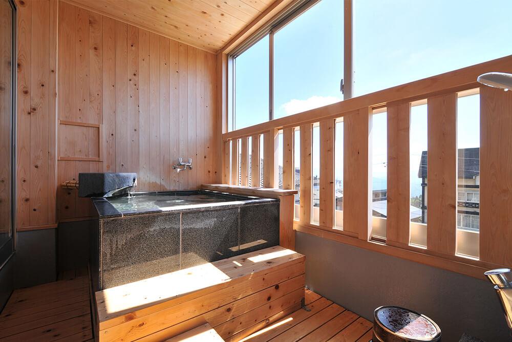 半露天風呂付和室10畳メイン画像
